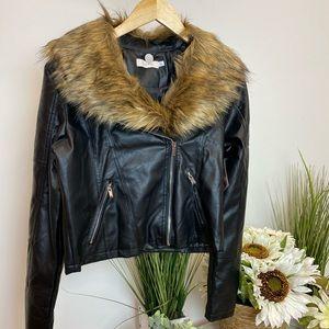 Jackets & Blazers - ‼️ Faux Leather Fur Jacket Beautiful Zip Crop Coat